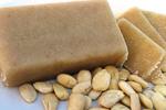 Amandelspijs wordt gemaakt van puur natuurlijke amandelen