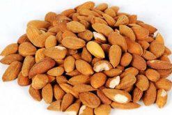 Puur natuurlijk genieten van rauwe bittere amandelen of onze andere naturel noten is gezond.