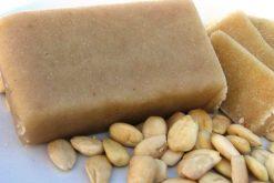 Amandelspijs (100% amandel) en nog veel meer producten om zelf heerlijk te bakken vindt u bij de Notenkoning.