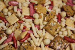 Knibbel, knabbel, knuisje, Bon Bori original Japan en nog meer soorten rijstzoutjes rijstcrackers voor uit het vuistje.