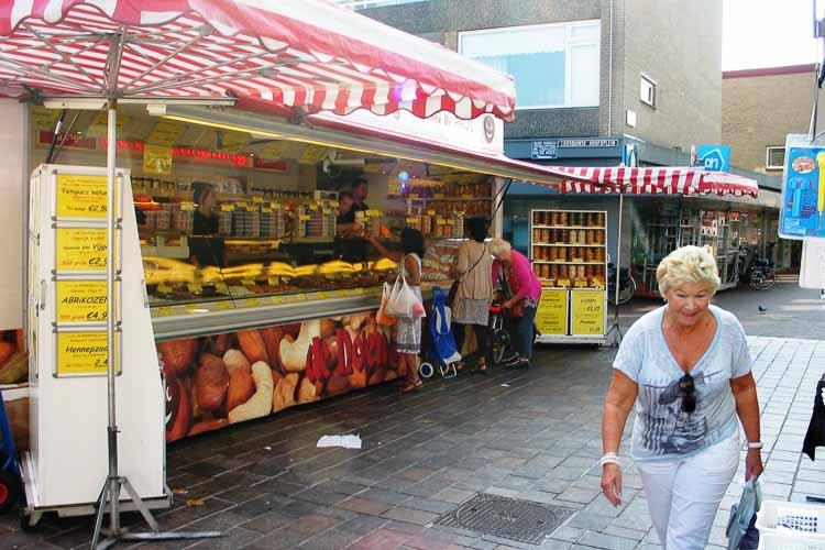 De Notenkoning op de markt in Loosduinen - Den Haag