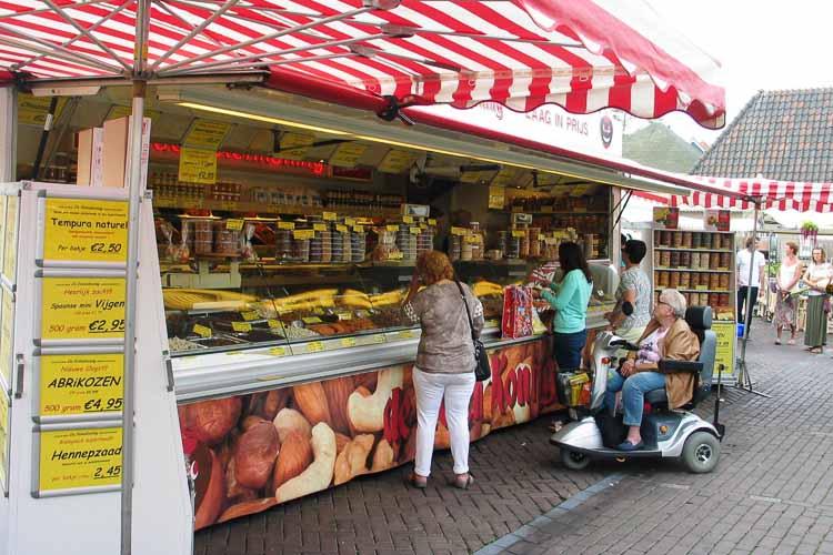 De Notenkoning op de markt in Maassluis